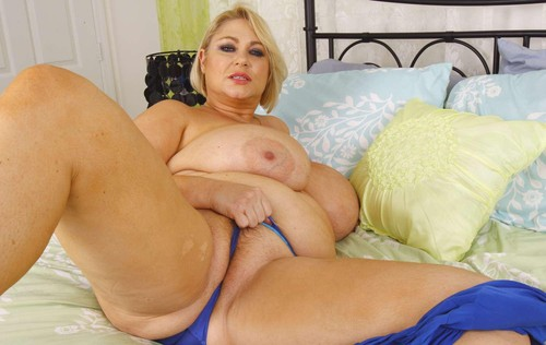 Samantha 38G – Cams Super Fat Tits 02