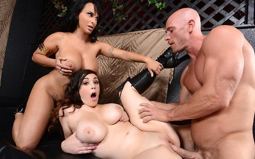 Angela White –  The Body Showing,  plays with her pussy On A Webcam 1 hour 44 mins