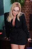 Www.lesbeen big boobs comecs.com